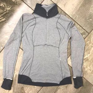 🍋 Lululemon 1/4 zip pullover size 8